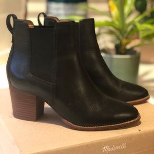 Madewell Chelsea boots size 6.5 black leather